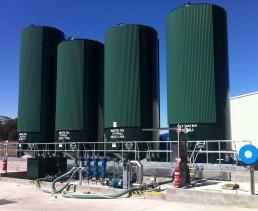 vertical chemical storage tanks